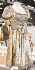 Dirndl Couture in Gold